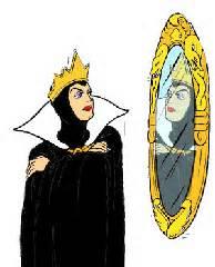 """""""miroir, mon beau miroir, dis moi si ma peau est éclatante de beauté ? """""""