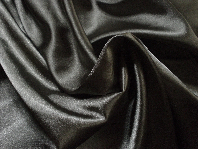Drap de soie noir