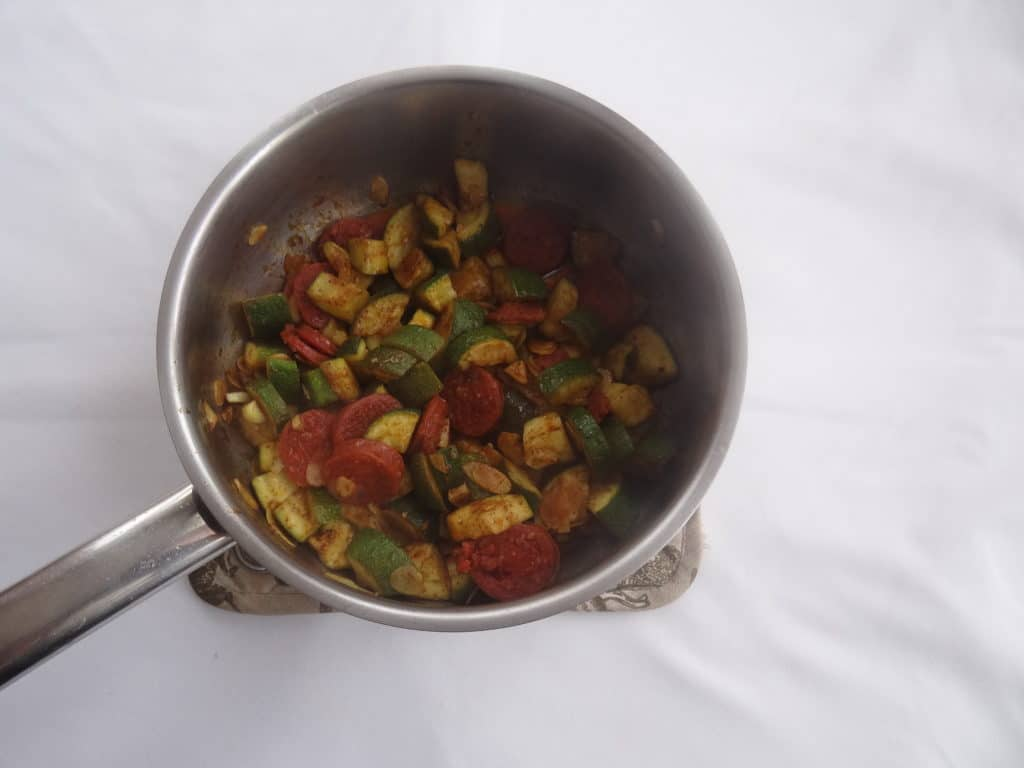 BVF-poelee-courgettes-amandes-chorizo-curry
